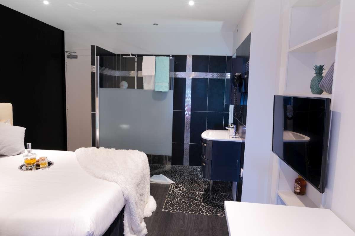 ideal hotel design paris site officiel tarifs chambres ideal hotel paris. Black Bedroom Furniture Sets. Home Design Ideas